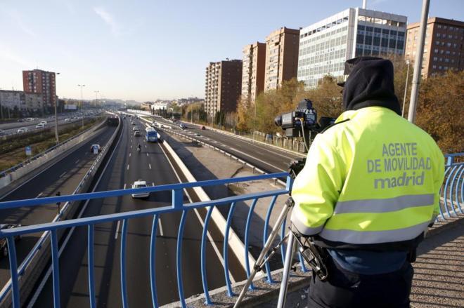 Radar láser Agentes Movilidad puente M-30